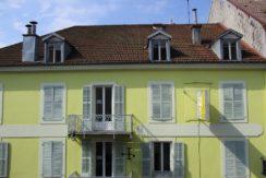 1011 façade