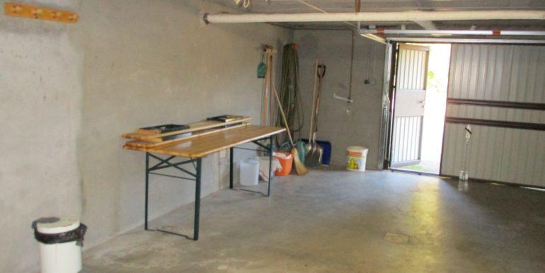 garage 1022